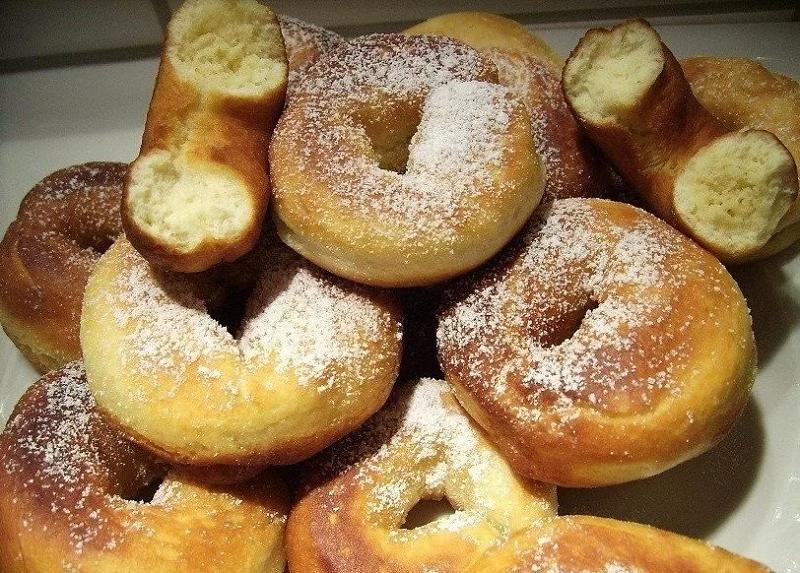 Как приготовить дрожжевые пончики дома с фото
